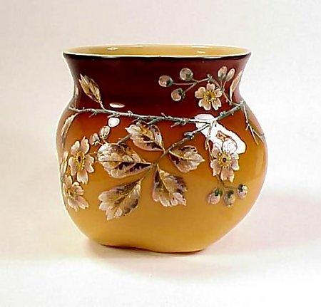 Victorian Caramel Amberina Decorated Art Glass Vase Item 591457