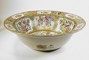 Chinese Export Rose Medallion Porcelain Basin