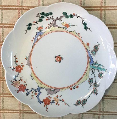Very fine Japanese Kakiemon flower design plate