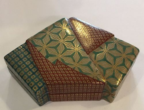 Beautiful Japanese studio satsuma style Swa Sozan kogo box