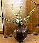 Large Japnese Stoneware Jar Tanba,16th cent