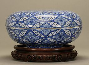 Japanese Blue & White Sometsuke Box