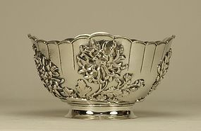 Japanese Silver Bowl Chrysanthemum Marked & Signed