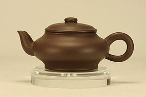 Superb Chinese Yixing Teapot (1) Marked