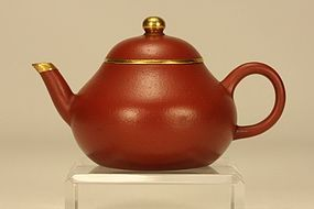 CHINESE YIXING TEAPOT PEAR SHAPED w GOLD & SIGNED