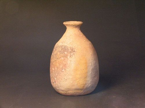 Shigaraki bottle(vase) by Sadamitsu Sugimoto the great master hand