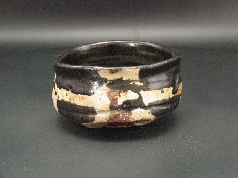 Kuro-Oribe Chawan by Junri Hamada Expert at Mino Pottery