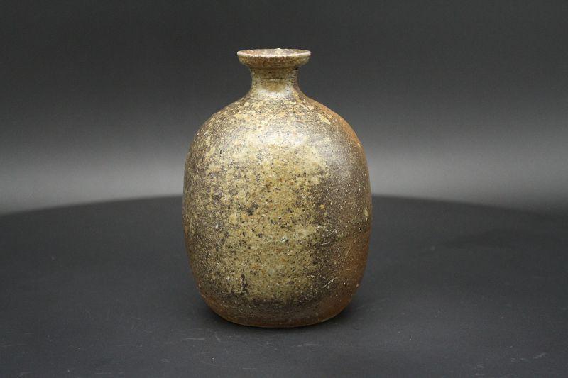 """Japanese traditional Bizen sake bottle """"tokkuri"""" by Satoshi Watanabe"""