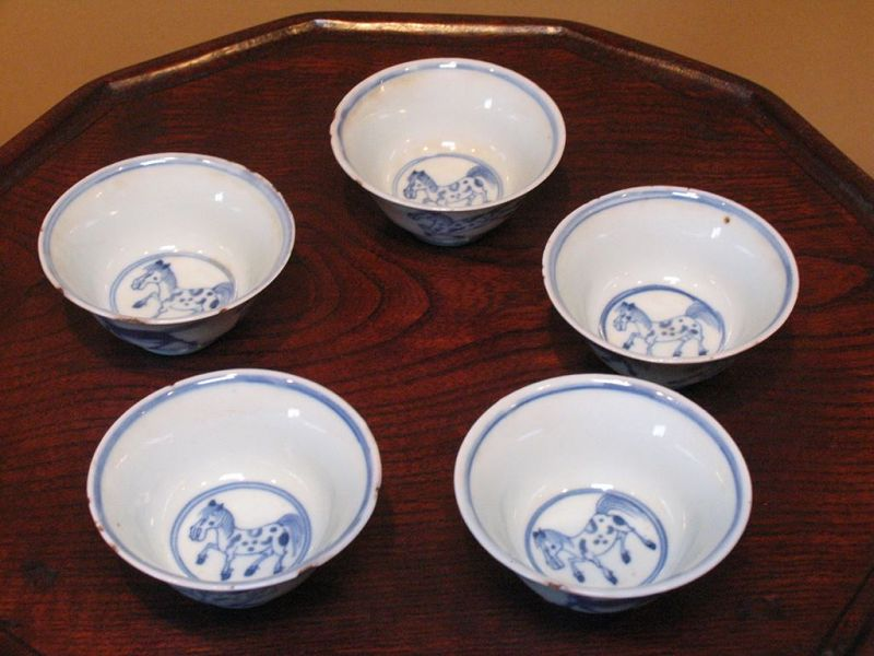 17th Ming Jingdezhen blue & white horses pattern tea cup set of 5