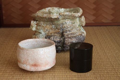 Iga (stoneware) Water container by Sadamitsu Sugimoto the great master