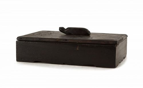 Fine, Rare Inkstone Box with Tortoise-Form Handle and Deep, Dark Grain