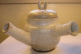 Lee Heyung Bok Teapot and Cups