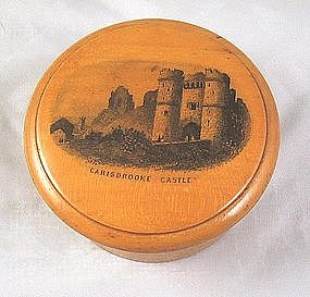 "Mauchline Thread Box ""Carisbrooke Castle"""