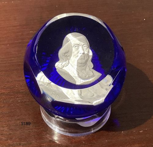 English Wedgwood paperweight of Benjamin Franklin