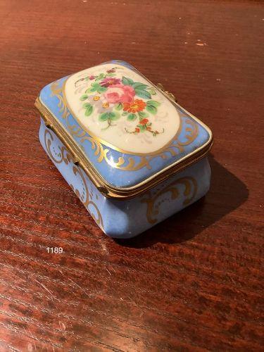 French Limoges trinket box porcelain