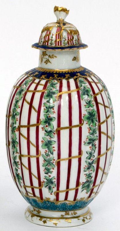 A Rare First Period Worcester Porcelain Hop Trellis Tea Caddy c1775