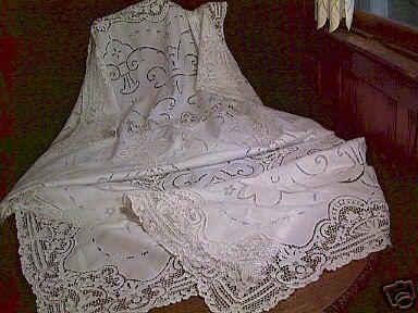 Pointe de Venice Lace Tablecloth and 12 Napkins c1920