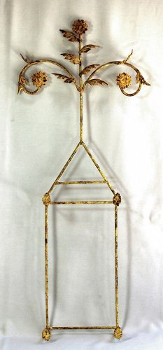 Metal wall plate hanger for 2