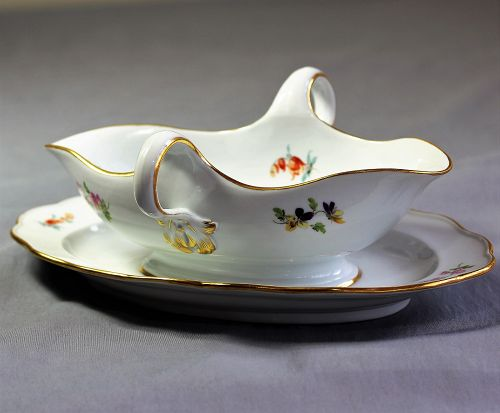 German Meissen Porcelain Gravy Boat with Tray, cross sword mark