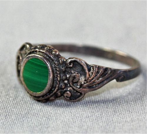 Russian Malachite and 925 marked Silver Ring