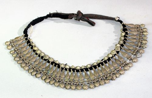 Middle Eastern white Metal Necklace