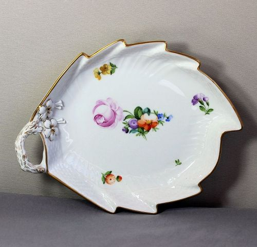 Royal Copenhagen Porcelain Leaf shape serving Dish
