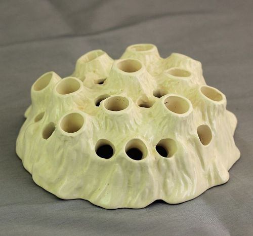English Wedgwood Porcelain Frog for flower arrangement