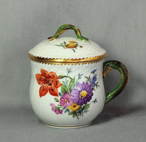 Royal Copenhagen Porcelain Pot de Creme with lid, floral design