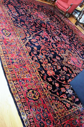 Persian Sarouk Carpet, hand knotted very fine small knots, Ca. 1910