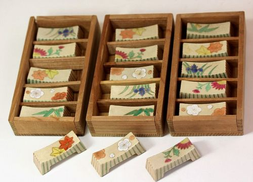 Japanese Earthenware 18 pieces Chopstick & Spoon Rest, in signed Box