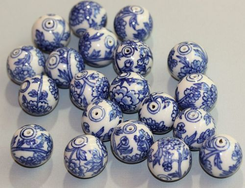 20 Chinese Porcelain Blue & White large Beads