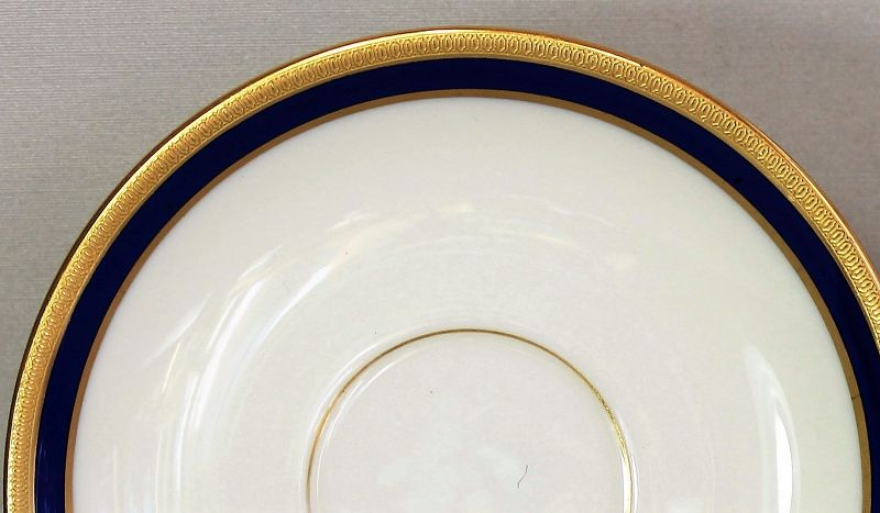 7 Lenox Porcelain Cobalt Blue & Gold Tea Cups & Saucers, 1620/V.7.B
