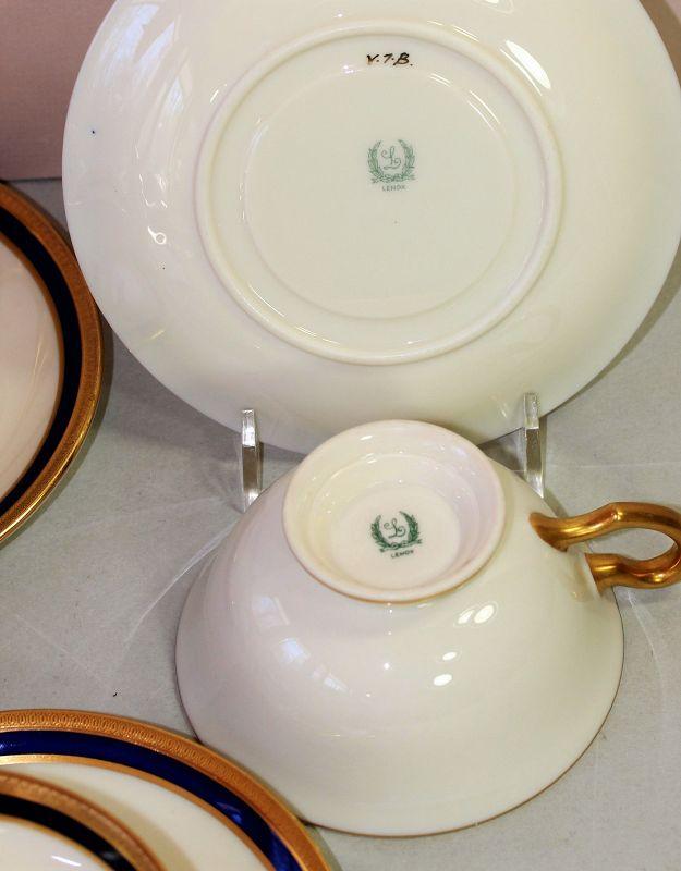 7 Lenox Porcelain Cobalt Blue & Gold Tea Cups & Saucers, 1620/V.7.B