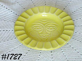 McCOY POTTERY -- SUN FACE ASHTRAY (YELLOW)