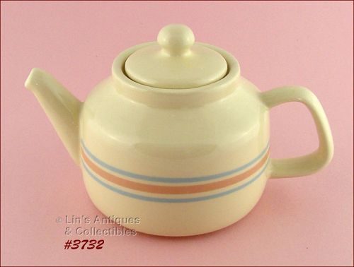 McCOY POTTERY � VINTAGE STONECRAFT PINK AND BLUE TEAPOT