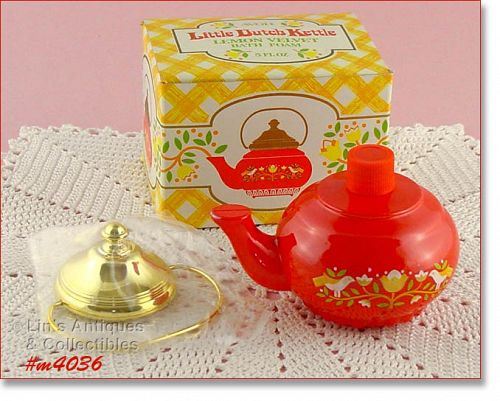 VINTAGE AVON DUTCH KETTLE LEMON VELVET BATH FOAM IN ORIGINAL BOX