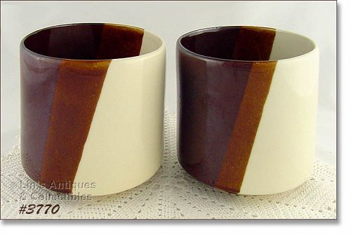 VINTAGE McCOY POTTERY PAIR OF MATCHING JARDINIERES