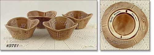 McCOY POTTERY � SET OF 4 VINTAGE WESTERN WARE SNACK BOWLS