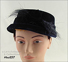 NAVY HAT WITH HORSE HAIR DECORATION