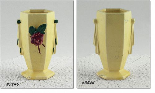 McCOY POTTERY � VASE WITH APPLIED FLOWER (6�)