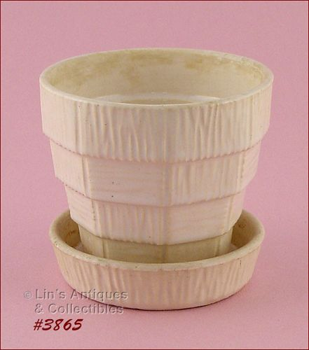 McCOY POTTERY � BASKETWEAVE FLOWERPOT (WHITE)