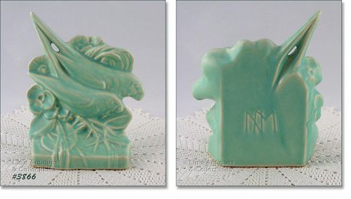 McCOY POTTERY � AQUA COLOR LOVE BIRDS BOOKEND (SINGLE)