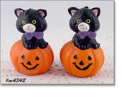 GURLEY CANDLE � BLACK CAT ON JACK-O-LANTERN