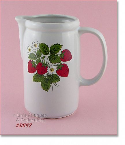 McCOY POTTERY VINTAGE STRAWBERRY COUNTRY DINNERWARE LINE PITCHER