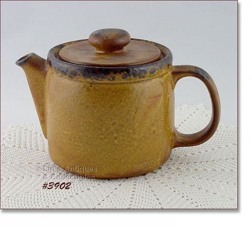 McCOY POTTERY � CANYON TEAPOT