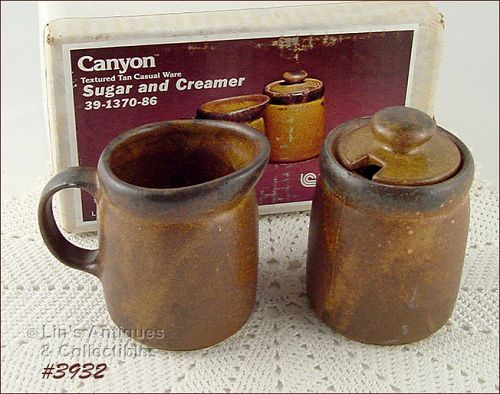 McCOY POTTERY VINTAGE CANYON CREAMER AND SUGAR MINT IN ORIGINAL BOX
