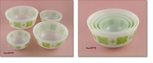 FIRE-KING -- SET OF 4 VINTAGE NESTED BOWLS
