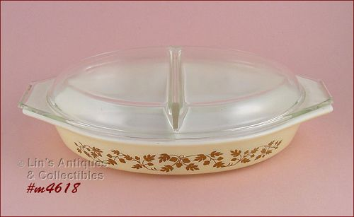 PYREX � GOLD ACORN PATTERN 1 ½ QUART DIVIDED BOWL WITH LID
