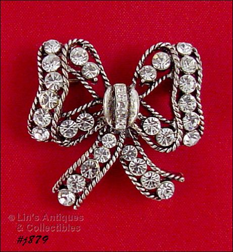 EISENBERG ICE � CLEAR RHINESTONES BOW PIN