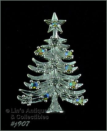 EISENBERG ICE � CHRISTMAS TREE PIN WITH AURORA BOREALIS RHINESTONES